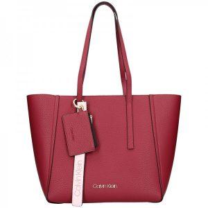 Dámská kabelka Calvin Klein Tinna – vínová