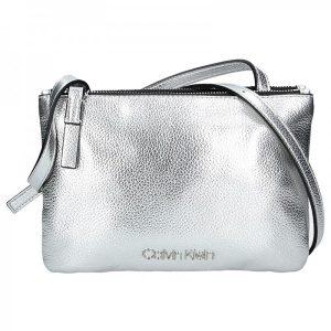 Dámská crossbody kabelka Calvin Klein Gwen – stříbrná