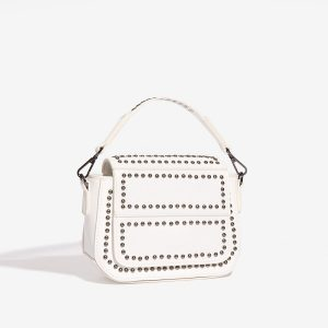 Bílá kabelka se cvočky 30273