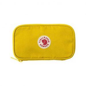 Žlutá cestovní peněženka Kånken Travel Wallet 34447