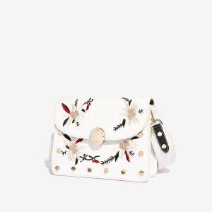 Bílá kabelka s výšivkou 30269