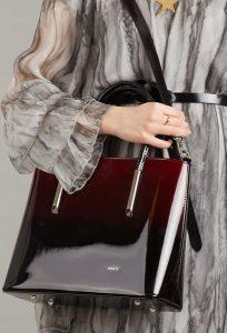 ROVICKY Elegantní bordó lakovaná kabelka 1235 Velikost: univerzální