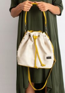 BASIC Dámská béžovo-žlutá kabelka 0004-4 Velikost: univerzální