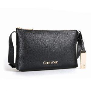 Calvin Klein Dámská crossbody kabelka Neat K60K605564 – černá