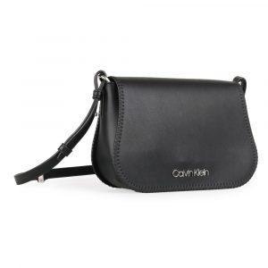 Calvin Klein Dámská crossbody kabelka Mellow Saddle K60K605617 – černá