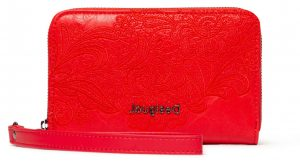 Desigual červená peněženka Mone Melody Mini Zip s výšivkou