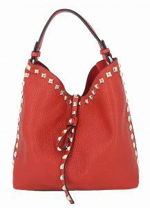 Červená malá kabelka s kosmetickou taštičkou uvnitř