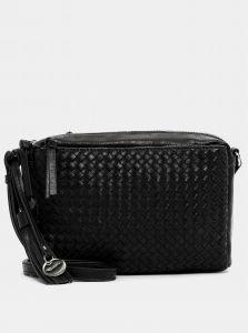 Černá prošívaná crossbody kabelka s ozdobnou třásní Tamaris